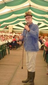 Bauer Heinrich Brömmelkamp aus Katenvenne rockt das Zelt