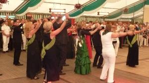 Der Flash-Mob brachte sofort Stimmung auf die Tanzfläche