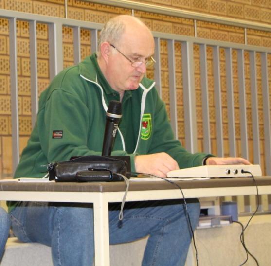 Ruhig, routiniert und absolut perfekt: Martin Wewerink als Stadionsprecher
