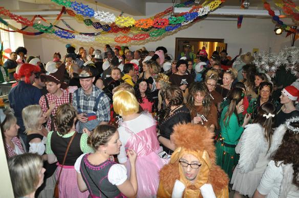 Das Foyer war der Treffpunkt der karnevalistischen städtischen Bediensteten