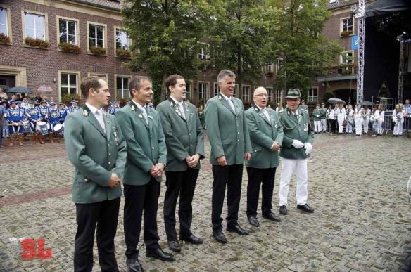Christian Scholz, Christian Frieling, Christian Jasper und Christian Becks wurden zum Singen zitiert.