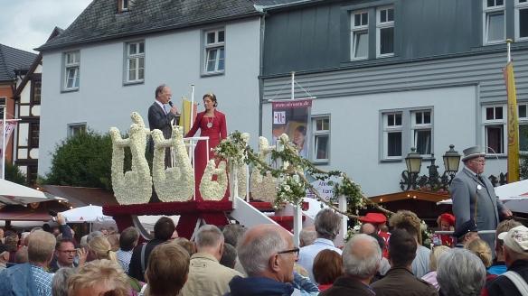 Die aktuelle Burgundia auf ihrem Prachtwagen