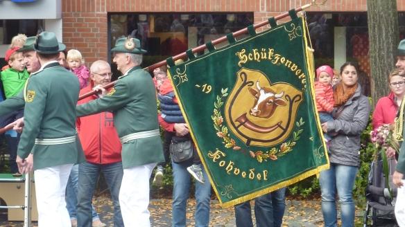 Immer wieder ein Blickfang. Unsere neue Fahne.