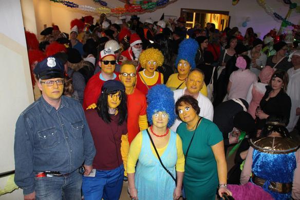 Platz 1 im Kostümwettbewerb ging an die Kolleginnen und Kollegen der Stadtkasse. Foto: DZ Dülmen