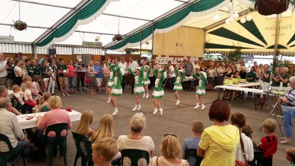 Auch die jüngsten Tänzerinnen begeisterten das Publikum