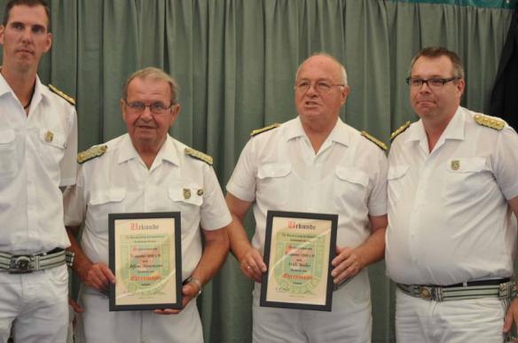 Alfons Mensmann und Willi Melles werden zu Ehrenmajoren ernannt.