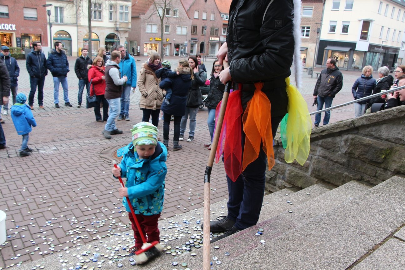 Niels Winkler Fegt Die Rathaustreppe Kohvedel